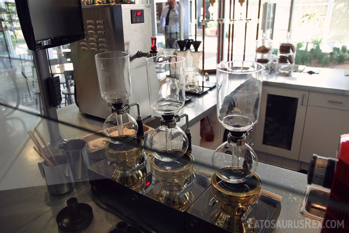 portola-coffee-labs-siphon.jpg