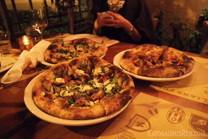 pizzeria-mozza-pizzas.jpg