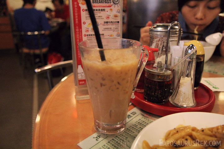 Tsui-Wah-Restaurant-milk-tea.jpg