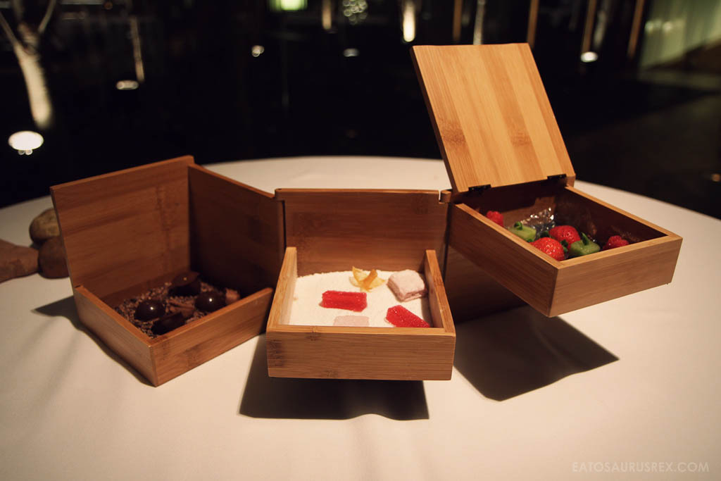 20110705_el-celler-de-can-roca-spain_3892-petit-fours